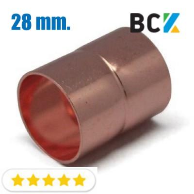 Муфта соединительная 28 мм прямая соединитель медный метрический бочонок под пайку