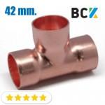 Тройник 42 мм соединитель отвод медный метрический под пайку